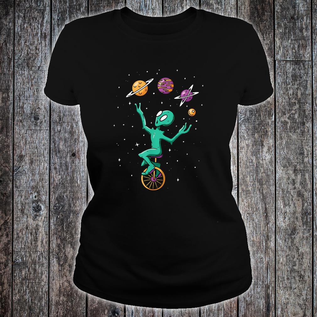 Funny Alien Juggler Recreation Entertainment Martian Circus Shirt ladies tee